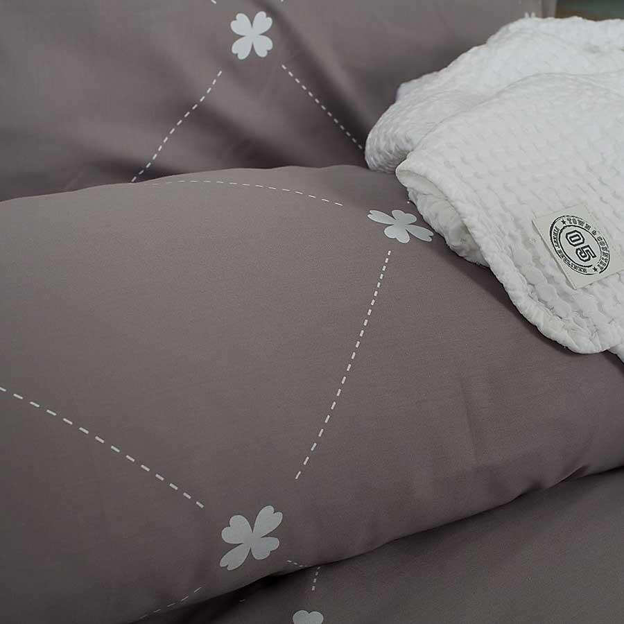 Daisy-grey-(2)